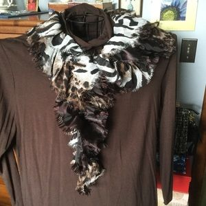 Accessories - Beautiful neck scarf, so soft